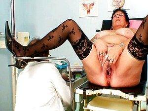 Busty eldre kvinne gynekologi klinikk eksamen